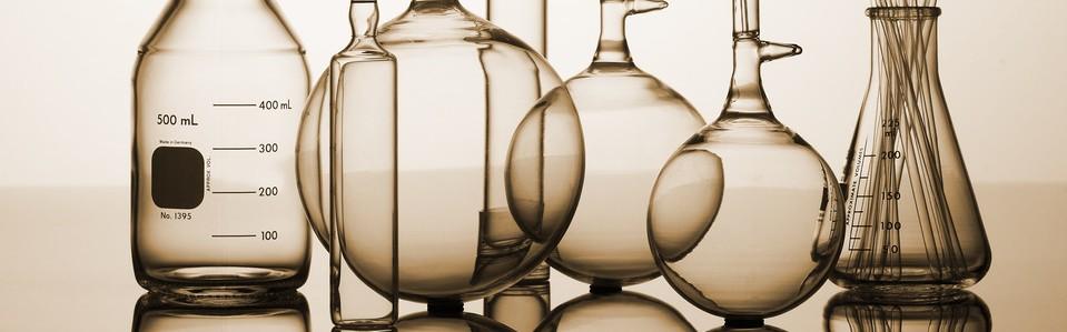 photodune-2463973-chemistry-bottles-s
